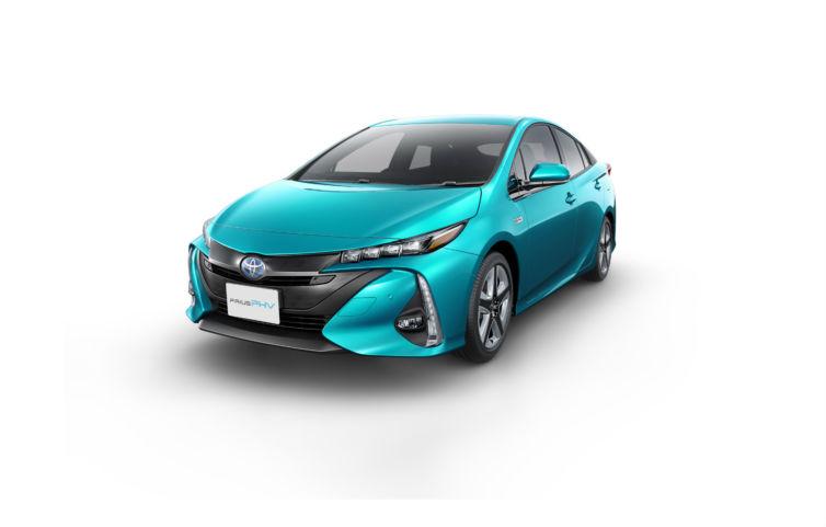Toyota | Prius PHV